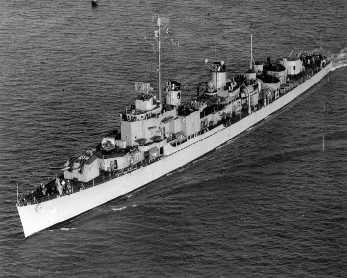 DD-819 USS Holder 1947